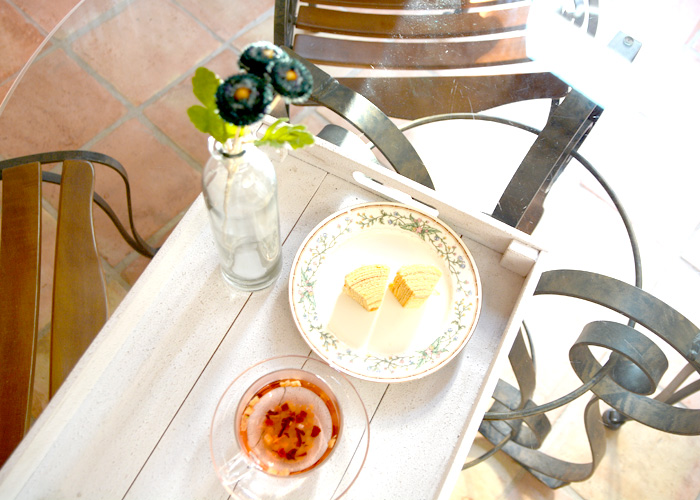アプリコットの優しい香りと、果物の美味しさが凝縮されたフルーツティをアイスティに。アフタヌーンティを楽しもう。